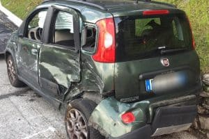 Frank-Car-auto-usate-incidentate-Genova