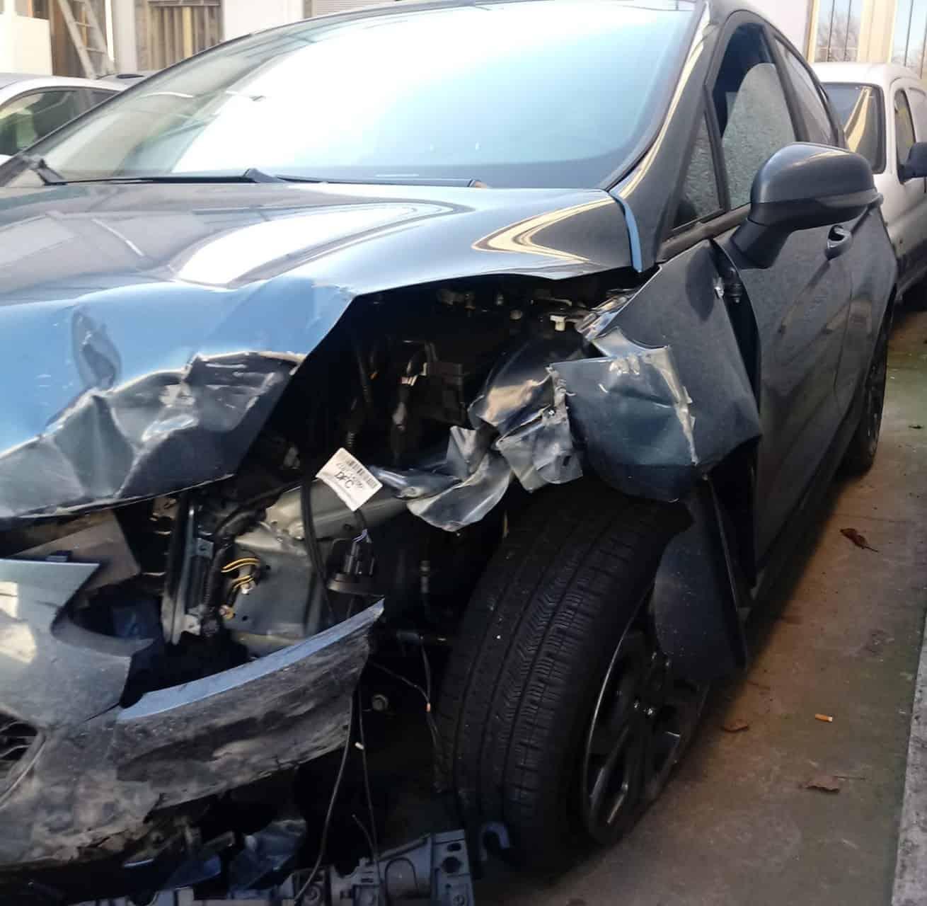 compro auto incidentate Arese